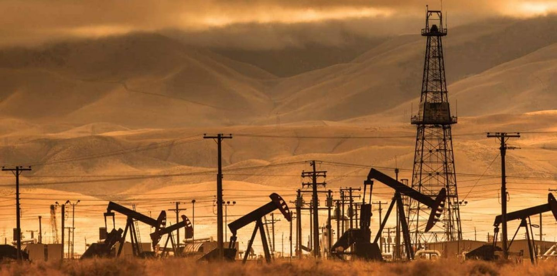 energy-companies-pull-market-down-1110x550